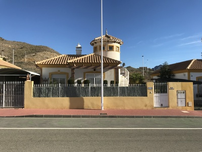 1250: Villa in Mazarron Country Club