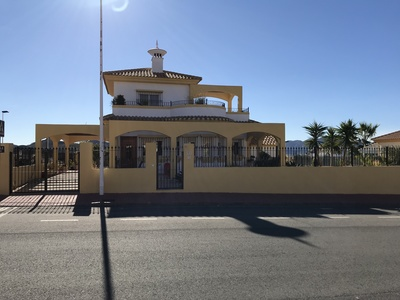 1251: Villa in Mazarron Country Club