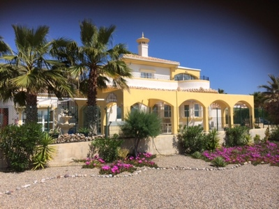 1227: Villa in Mazarron Country Club