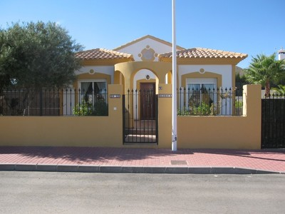 1143: Villa in Mazarron Country Club
