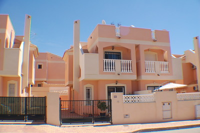 1190: Townhouse in Puerto de Mazarron